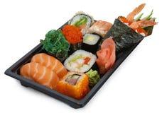 Rodillos del japonés de la mezcla y assorti del sushi Foto de archivo libre de regalías
