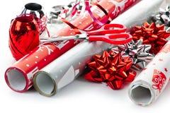 Rodillos del papel de embalaje de la Navidad Imagen de archivo libre de regalías