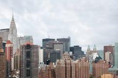 Środka miasta Manhattan linii horyzontu panorama z Chrysler budynkiem Zdjęcie Stock