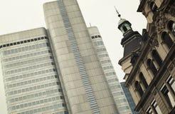 środkowa gromadzka Frankfurt magistrali linia horyzontu Zdjęcia Stock