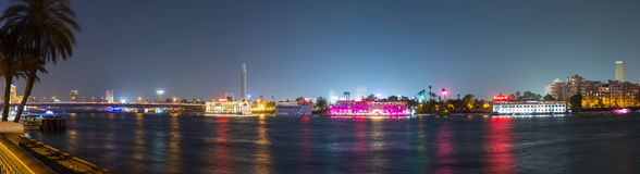 Środkowa Kair Nil rzeczna noc panoramiczna Zdjęcie Royalty Free