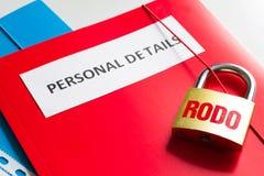 Rodo personligt dataskydd med hänglåset och personligt detaljbegrepp Arkivfoto