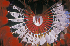 Rodowitego Amerykanina pióropusz dla ceremonialnego Kukurydzanego tana, Santa Clara osada, NM fotografia stock