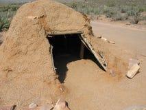 Rodowity Amerykanin Gliniana buda przy Uroczystego jaru Zachodnim obręczem w Północno-zachodni Arizona Zdjęcia Royalty Free