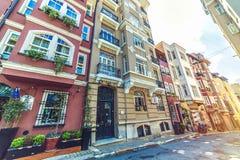 Rodzajowa architektura i budynki mieszkalni w Cihangir zdjęcie stock