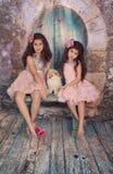 Rodzeństwa i szczeniak zdjęcie royalty free