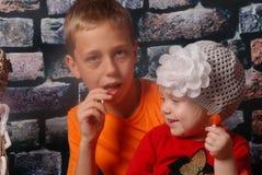 rodzeństwo szczęśliwi Obraz Royalty Free