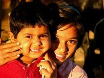 rodzeństwo uśmiech Zdjęcia Royalty Free