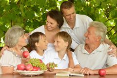 Rodzice i dzieci Obrazy Royalty Free
