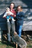 Rodzice i ich dziecko na rodziny gospodarstwie rolnym, bourbon, MO Obraz Stock