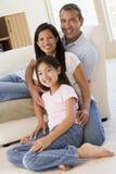 rodzina żyje pokój uśmiecha się obraz stock