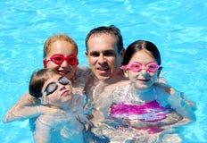 rodzina basen zabawa Zdjęcie Royalty Free