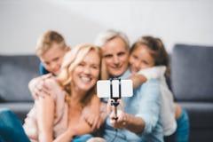 Rodzina bierze selfie zdjęcie stock