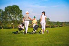 rodzina grać w golfa Obrazy Stock