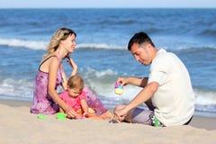 Rodzina na morzu Zdjęcie Royalty Free