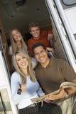 Rodzina Przy drzwi RV Fotografia Royalty Free