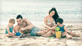 Rodzina składająca się z czterech osób ludzie Obraz Royalty Free