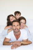rodzina spać szczęśliwy fotografia stock