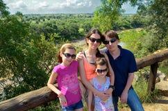 Rodzina z dzieciakami na wakacje w Afryka Zdjęcia Royalty Free