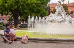 Rodzinna scenariuszowa Tuluza centrum miasta fontanna fotografia royalty free