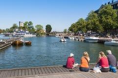 Rodzinne dopatrywanie łodzie Vastervik zdjęcia royalty free