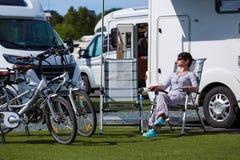 Rodzinnego wakacje podróż, wakacyjna wycieczka w motorhome Zdjęcia Royalty Free