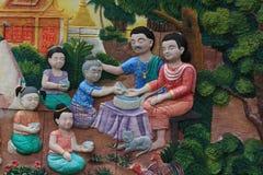 Rodzinnej fotografii Songkran festiwal Na ścianie świątynny miasto Bangkok, Tajlandia zdjęcia royalty free