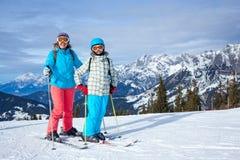 Rodzinni cieszy się zima wakacje Obraz Stock
