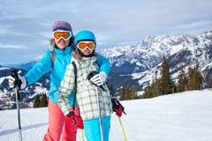Rodzinni cieszy się zima wakacje Zdjęcia Royalty Free