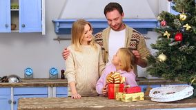 Rodzinni odświętność boże narodzenia, nowy rok i zdjęcie wideo