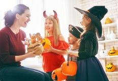 Rodzinny świętuje Halloween Fotografia Royalty Free