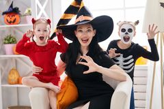Rodzinny świętuje Halloween Obraz Royalty Free