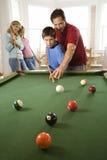 rodzinny bawić się basenu rec pokój Zdjęcie Stock