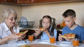 Rodzinny i karmowy pojęcie zbiory