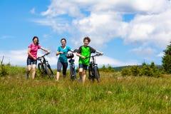 Rodzinny jechać na rowerze Fotografia Stock