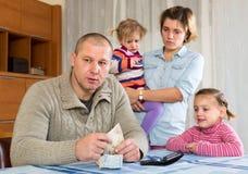Rodzinny konflikt nad pieniądze Zdjęcie Stock