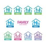 Rodzinny logo Ustawiający z wiele różnica ilustracja wektor