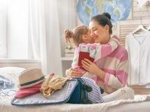 Rodzinny narządzanie dla podróży Obrazy Stock