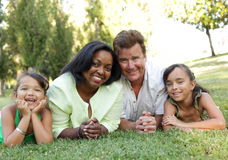 rodzinny szczęśliwy park Fotografia Stock