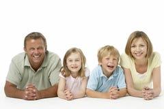 rodzinny szczęśliwy portret zdjęcia royalty free