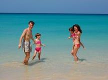 rodzinny tropikalny wakacje Obrazy Royalty Free