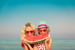 Rodzinny wakacje plaży morze zdjęcia royalty free