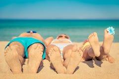 Rodzinny wakacje plaży morze obrazy royalty free