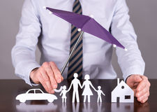 Rodziny, domu i ubezpieczenia samochodu pojęcie, fotografia stock