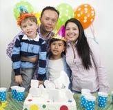 Rodziny partyjny urodzinowy ` s obrazy stock