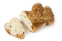 Rodzynki i dokrętka chleb na białym tle zdjęcie royalty free