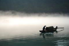 Roeien in de mist Royalty-vrije Stock Afbeelding