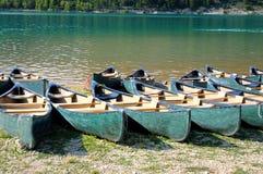 Roeiende boten Stock Afbeeldingen