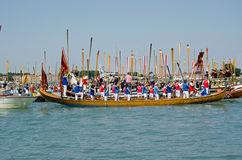 Roeiers die zich aan Aandacht, Venetië bevinden Royalty-vrije Stock Afbeeldingen