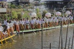 Roeiers op de boot Royalty-vrije Stock Afbeeldingen